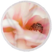 Dahlia Cafe Round Beach Towel