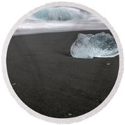 Diamonds Floating In Beaches, Iceland Round Beach Towel