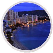Dusk On Waikiki Round Beach Towel