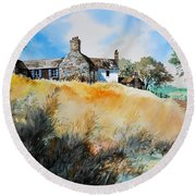 English Farmhouse Round Beach Towel
