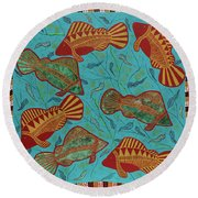 Large Barramundi Swimming  Round Beach Towel
