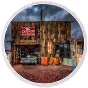 Nelson Nevada, Weathered Garage, Car, And Gas Pump Round Beach Towel