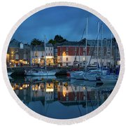 Round Beach Towel featuring the photograph Padstow Evening by Brian Jannsen