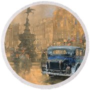 Phantom In Piccadilly  Round Beach Towel