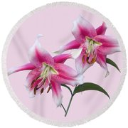Pink And White Ot Lilies Round Beach Towel by Jane McIlroy