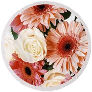 Pink Gerbera Daisy Flowers And White Roses Bouquet Round Beach Towel