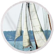 Sailing In Maine Round Beach Towel