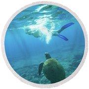 Snorkeler Female Sea Turtle Round Beach Towel