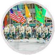 St. Patrick Day Parade In New York Round Beach Towel