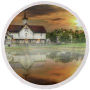Star Barn Sunrise Round Beach Towel