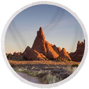 Sunrise In Arches National Park Round Beach Towel