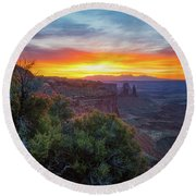 Round Beach Towel featuring the photograph Sunrise Over Canyonlands by Darren White