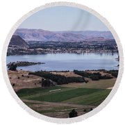 Sunset Over Lake Wanaka In New Zealand Round Beach Towel