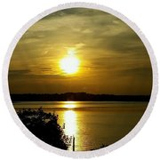 Sunset Over The Potomac Round Beach Towel