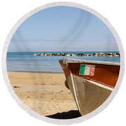Waiting Summer Round Beach Towel