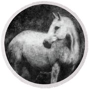 White Horse Portrait Round Beach Towel
