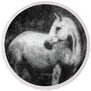 White Horse Portrait Round Beach Towel