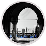 Woman At Doges Palace Round Beach Towel