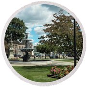 The City Green Round Beach Towel