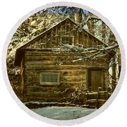 1700's Log School House In West Chester, Pennsylvania Round Beach Towel