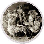 1900 Fashionable Ladies Round Beach Towel