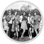1942 American Bad Girls Round Beach Towel