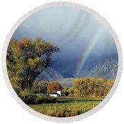 1m6345 Rainbow In Sierras Round Beach Towel