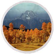 1m9235 Mt. Moran In Autumn Round Beach Towel