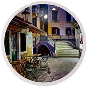 An Evening In Venice Round Beach Towel by Frozen in Time Fine Art Photography