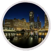 Chicago River And Skyline At Dawn Round Beach Towel