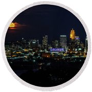 November Super-moon Through The Clouds Over Cincinnati Round Beach Towel