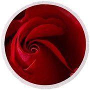 Red Rose Iv Round Beach Towel