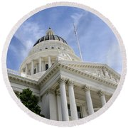 Sacramento Capitol Building Of California Round Beach Towel