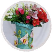 Vase, Rose Calla Round Beach Towel
