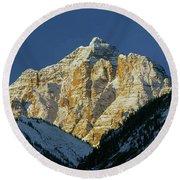 210418 Pyramid Peak Round Beach Towel