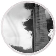 25 De Abril Monument In Black And White Round Beach Towel