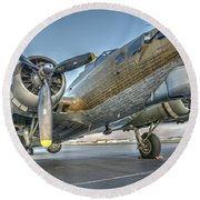 B17 Flying Fortress On The Ramp At Livermore Round Beach Towel