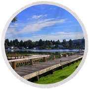 Devils Lake Oregon Round Beach Towel