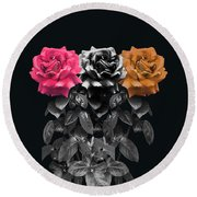 3 Roses Round Beach Towel