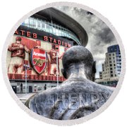 Thierry Henry Statue Emirates Stadium Round Beach Towel