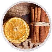 Winter Spices Round Beach Towel