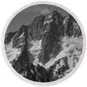 304630 Bw North Face Mt. Stuart Round Beach Towel