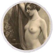 Digital Ode To Vintage Nude By Mb Round Beach Towel