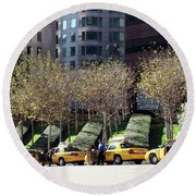 4 Taxis In The City Round Beach Towel