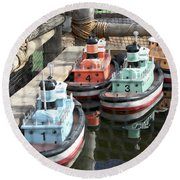 4 Toy Boats Round Beach Towel