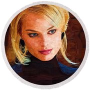 Margot Robbie Painting Round Beach Towel