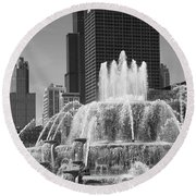Chicago Skyline And Buckingham Fountain Round Beach Towel by Frank Romeo
