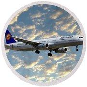 Lufthansa Airbus A321-131 Round Beach Towel