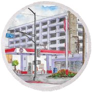76 Gas Station In 3rd Street And Robertson Blvd, Beverly Hills, California Round Beach Towel