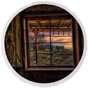 A Barn View Round Beach Towel